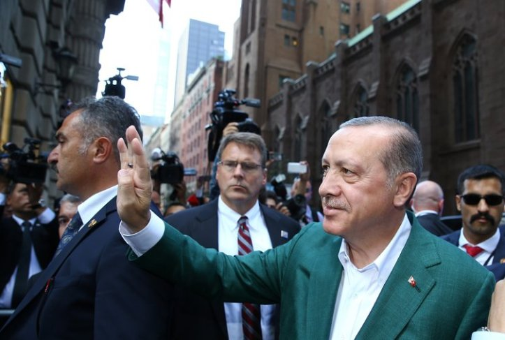 cb-rte-erdogan-yesil-ceket